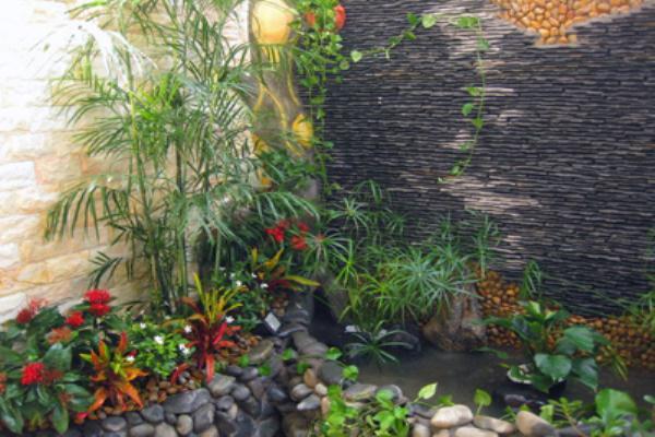 Tường nước trong nhà